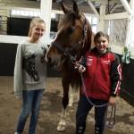 Tindra och Klara med kompis